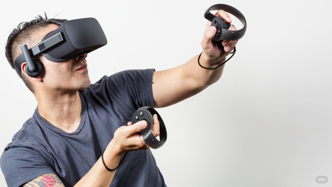 VR Gözlükler 210 Derece Oluyor!